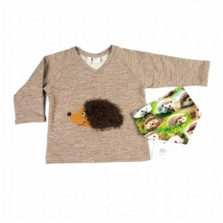 shirt-v-neck-print-hedgehog motif