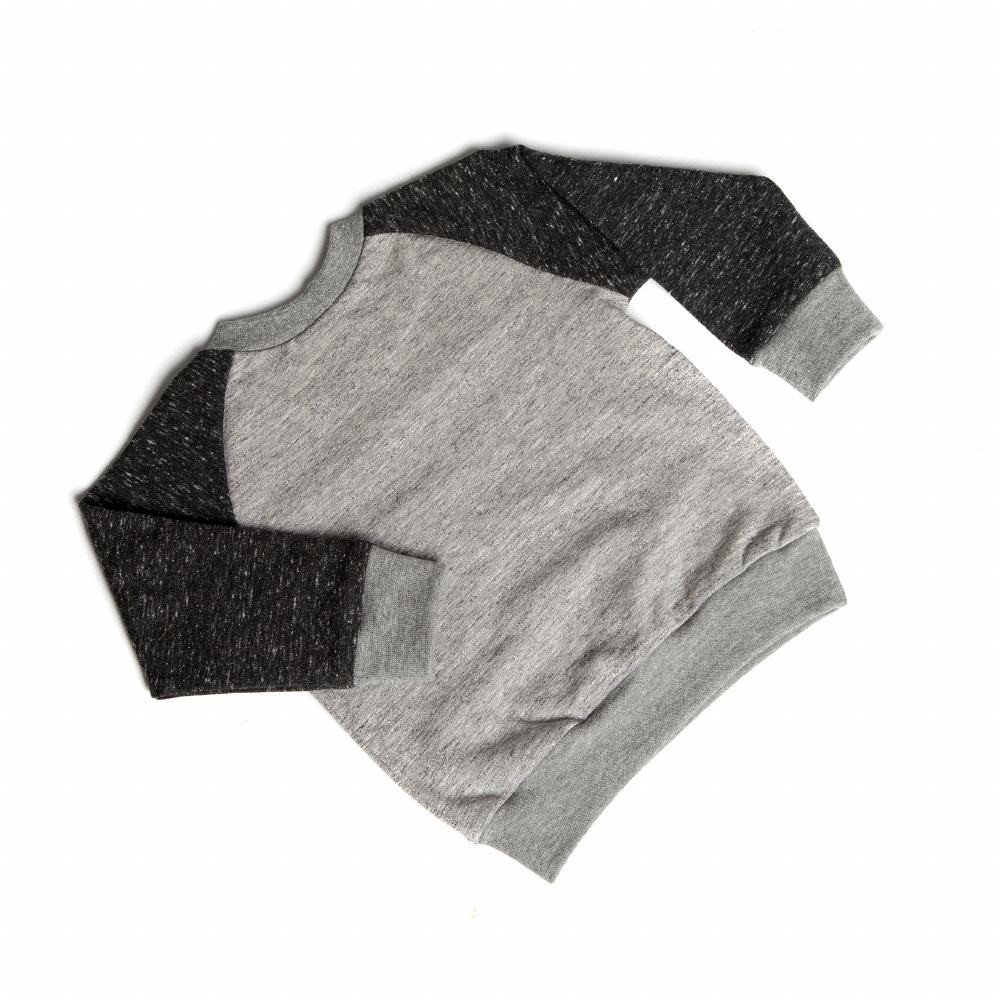 jongen-grijs-tricot-sweater-borstzakje