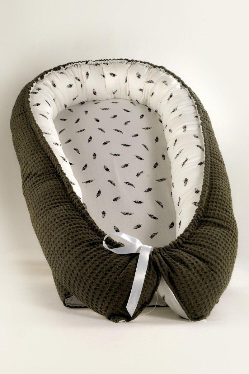 babynest-khaki-feathers