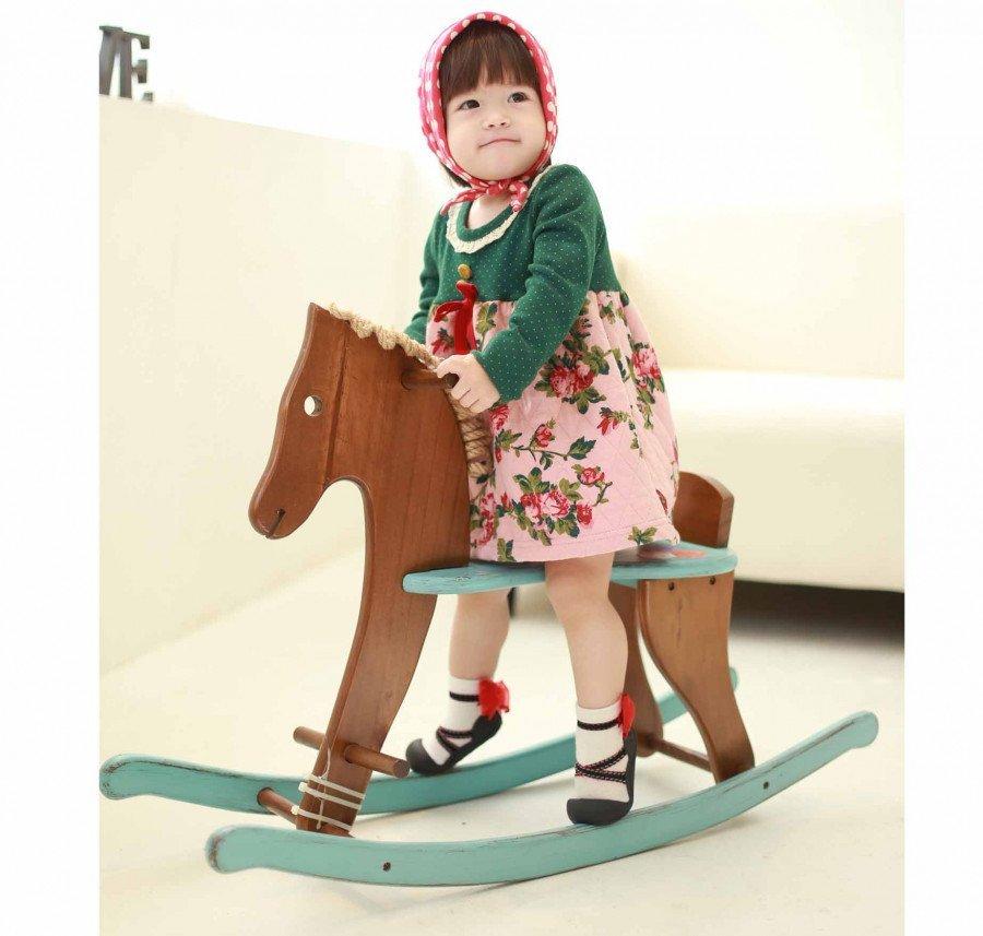 baby-meisjschommelpaard-kinderschoentjes-ballet-zwart-met-rode-strik